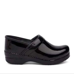 Dansko Black Patent Leather Classic Clogs 41